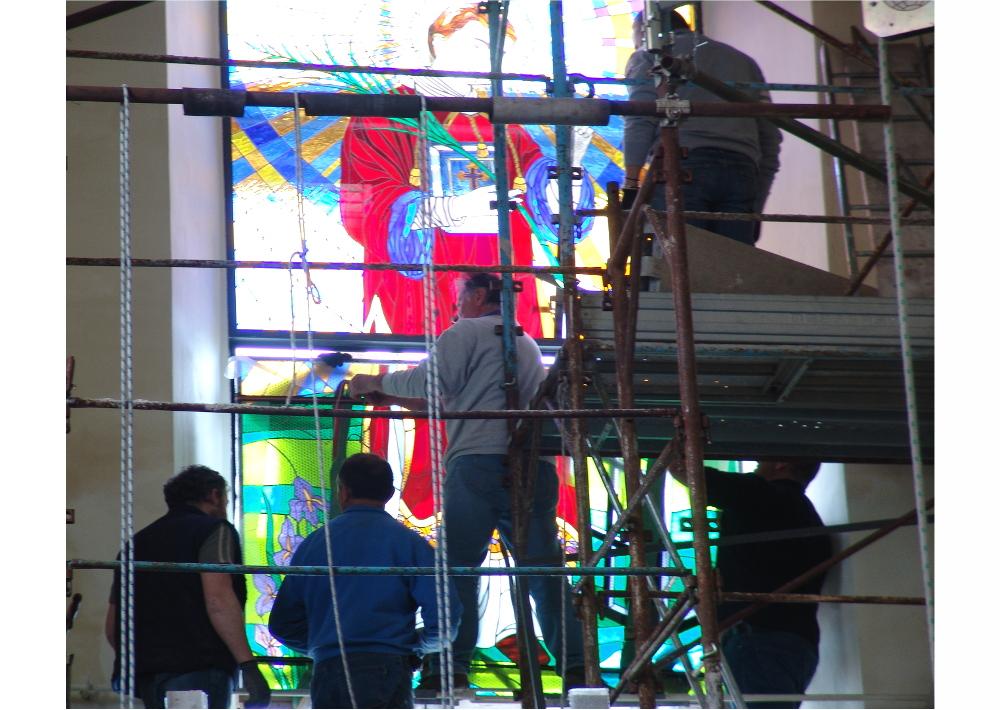 chiesa -religioso-vetrata- montaggio--mosaico