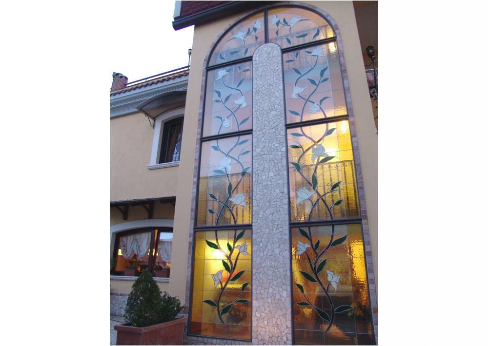 magnolia- finestre-grande vetrata-- mosaico