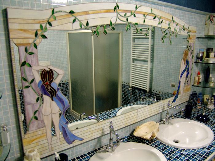 Specchio per bagno mosaici e vetri d 39 arte provenzano - Lampade per specchi bagno ...
